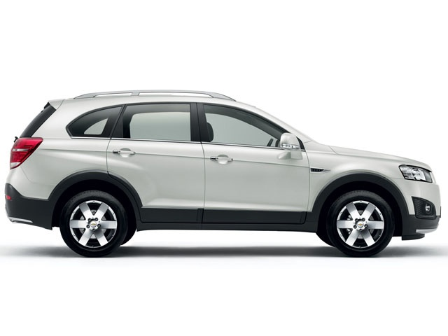 18 inch alloy wheels are also standard equipment on the Captiva model for 2013