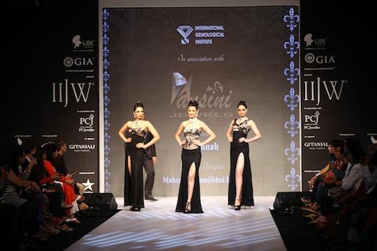 Miss India winners Navneet Kaur Dhillon, Shobhita Dhulipalia and Zoya Afroz walked for IGI students