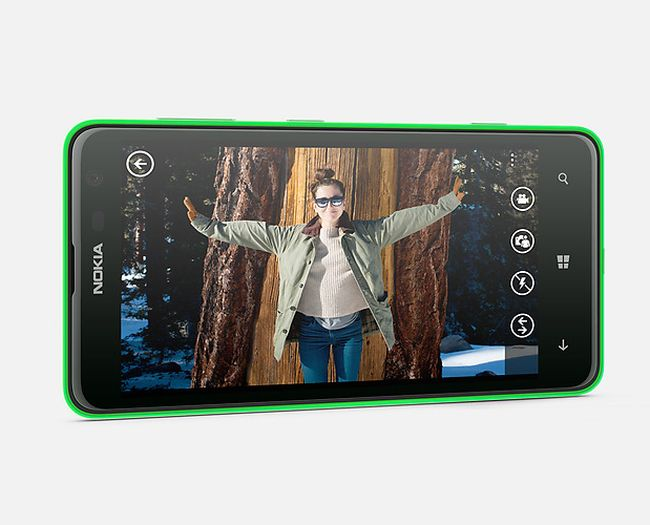 ColourfulNokia Lumia is the only phone in the Lumia series after Nokia Lumia 620 to come with a green coloured back.
