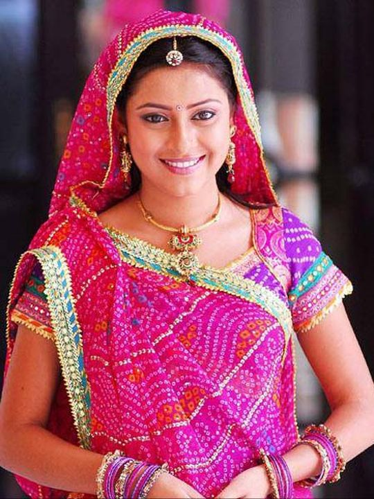 Pratyusha Banerjee: We know the beautiful TV actress as the former Anandi from the serial, Baalika Vadhu. She will be part of the Bigg Boss house too.