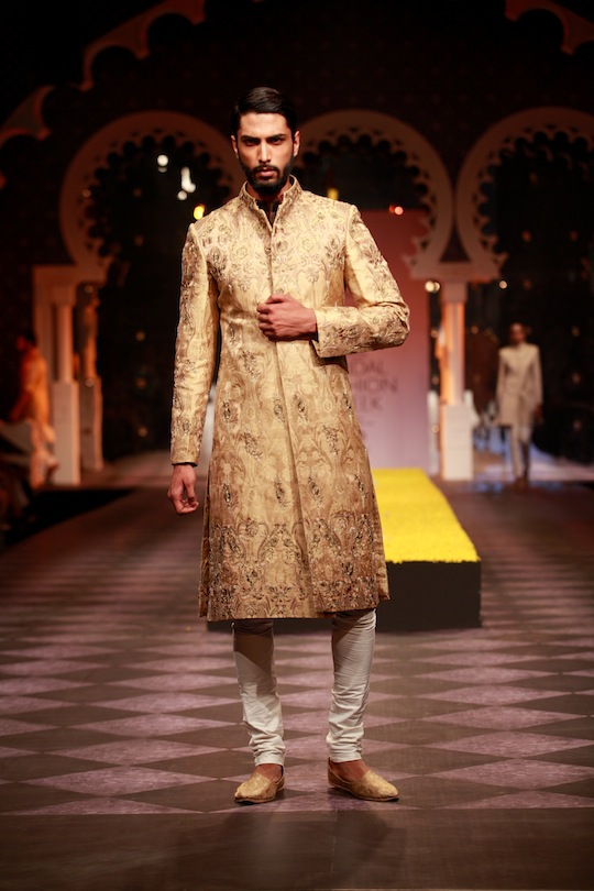 Embroidered waistcoats with Jodhpuri pants, strategically embroidered shirts and jackets, practical kurtas with embellished bundies and Bandgala jackets in vibrant shades of electric blue and royal purple silk completed the collection.