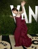 Jennifer Garner loses her balance at the 2013 Vanity Fair Oscars Party in West Hollywood