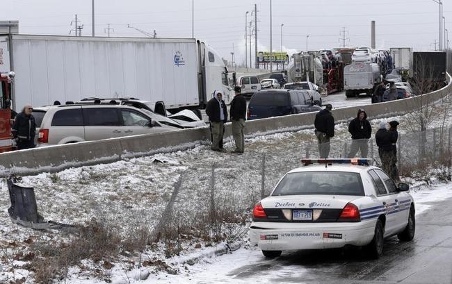 Detroit freeway pileup