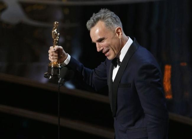 "Daniel Day Lewis accepts the Oscar for best actor for his role in ""Lincoln,"" at the 85th Academy Awards in Hollywood"