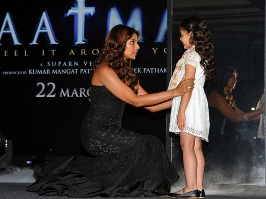 Bipasha and the child actress Doyel Dhawan