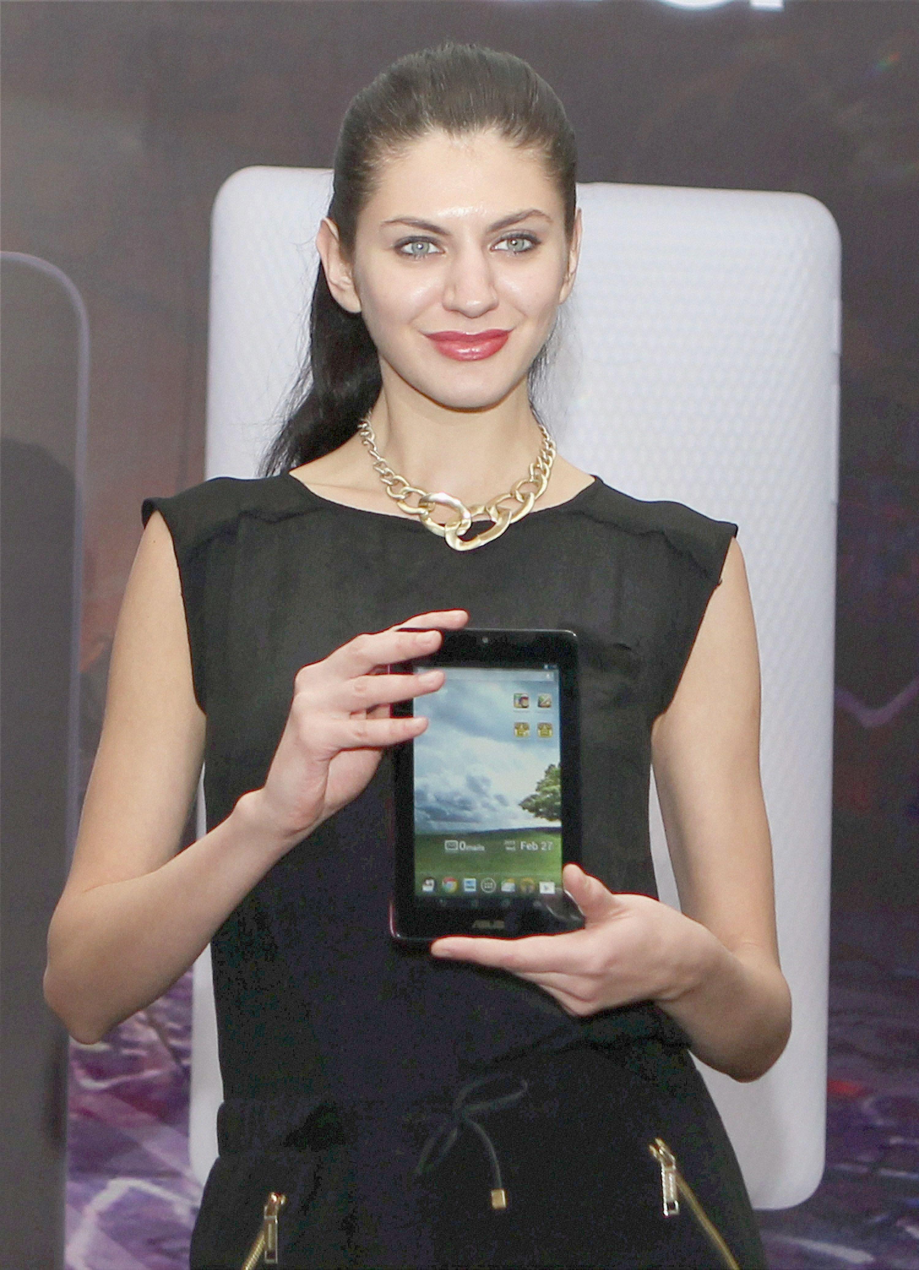 ASUS' New Tablet MeMO Pad at Rs 9999