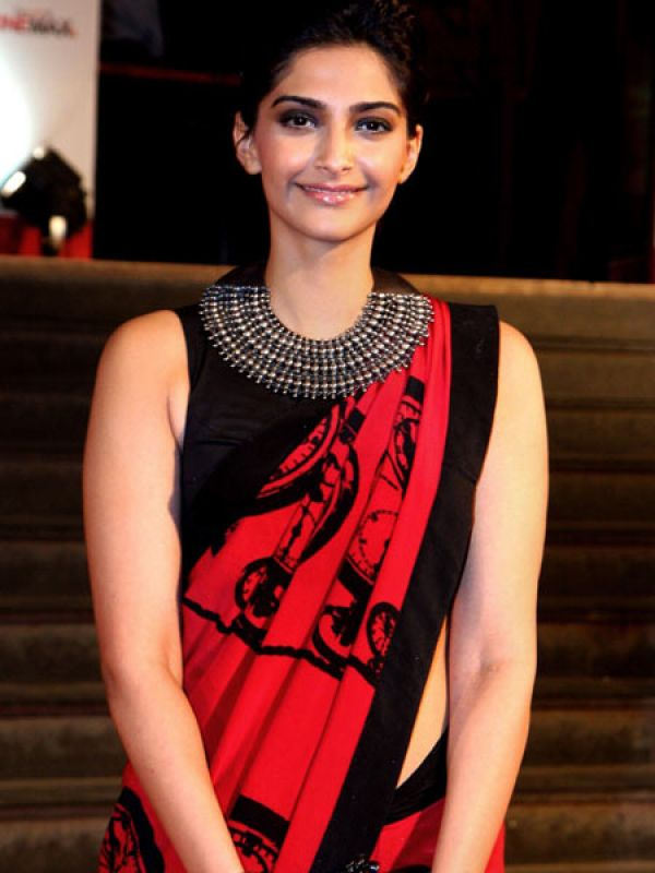 Sonam Kapoor (seret love and secret break up): The complete opposite of the Frank Talker, you prefer keeping your lips zipped when it comes to your dalliances. You may succumb to making public appearances together, but will never spill the beans. Either you're too much of a prude to do so or simply think your private life is nobody's business. Not too different from Sonam and her ex, director Punit Malhotra.