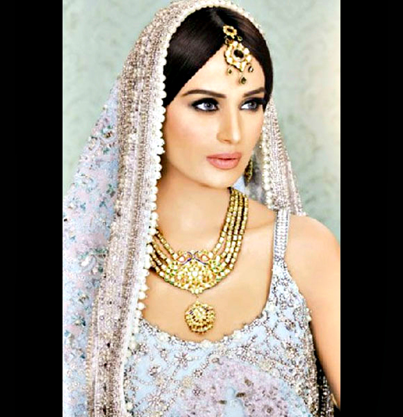 Mehreen Syed: Pakistani supermodel Mehreen Syed has signed for director Sanjay Puran Singh's next.