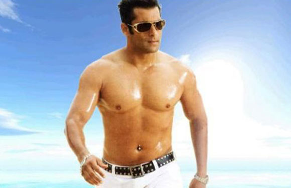 Salman Khan: It has to be him right there on top. Bollywood Dabanng Salman Khan started the bare-chested trend in 'Pyaar Kiya Toh Darna kya', and the rest as they say is history.
