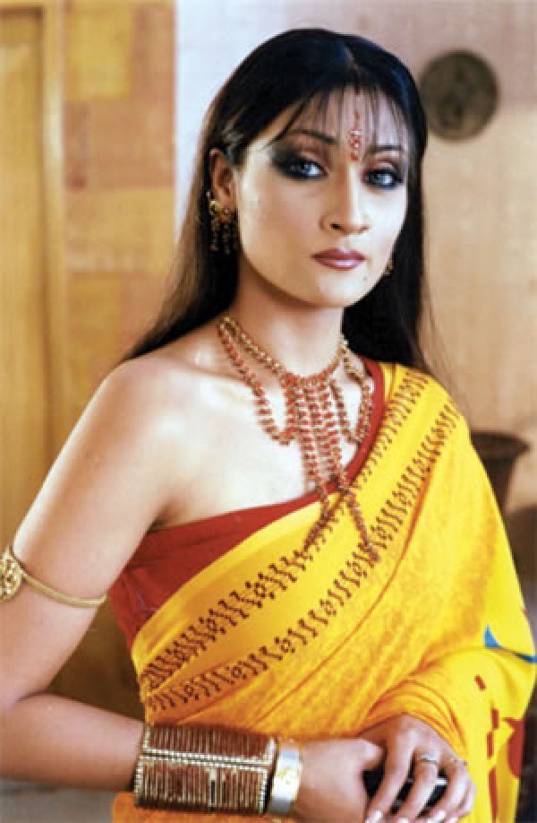 Urvashi Dholakia (Komolika Rana): Urvashi Dholakia plays Komolia Rana, a negative character in Dil Se Di Dua- Saubhagyavati bhava. The character may have shades of grey, but there's no need for her to wear such outrageous saris.