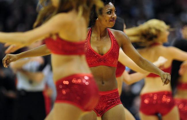 NBA Cheerleaders Raise Temperature