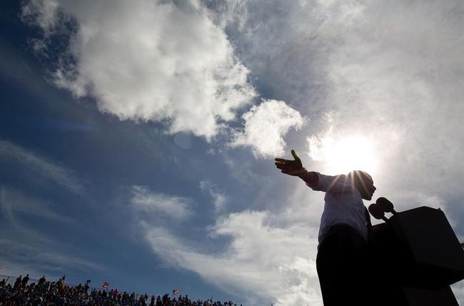 Obama Campaigns In Florida