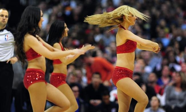 NBA Cheerleaders Raise Temperature