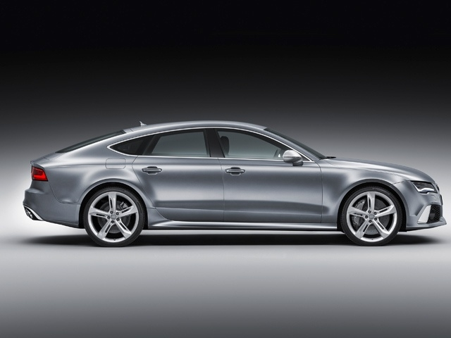 The large five-door coupe uses a 4.0 TFSI engine producing 560PS