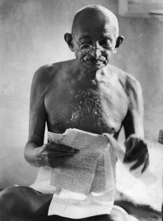 Mahatma Gandhi at 76 (photo: getty images)