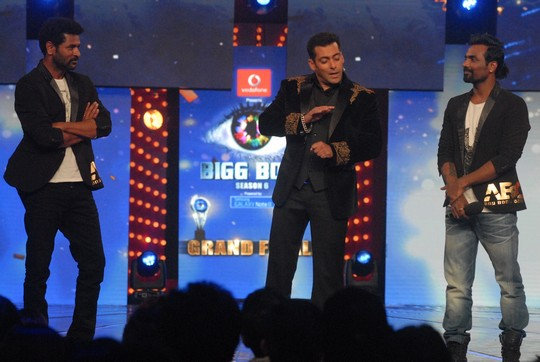 PrabhuDeva, Remo and Salman Khan dance to the tunes of ABCD