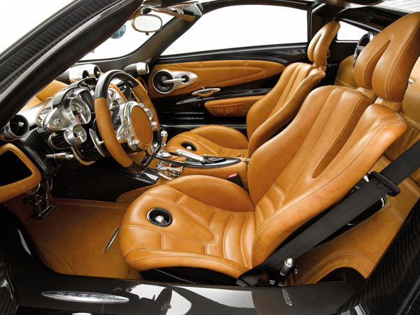 Built for convenience, the driver will find much relief knowing that almost all primary functions can be handled directly via the steering wheel. In fact, even the gear shift paddles have been mounted on the wheel for comfort. Additionally, an aluminium console at the centre displays the driving performance during sport mode, while the comfort mode uses a trip computer to do the same.