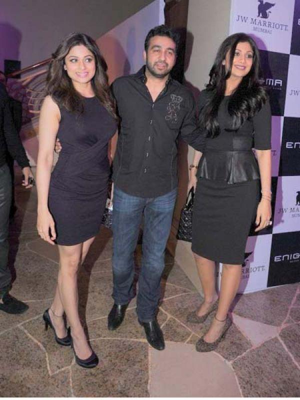 Shlipa and Shamita Shetty with Raj Kundra