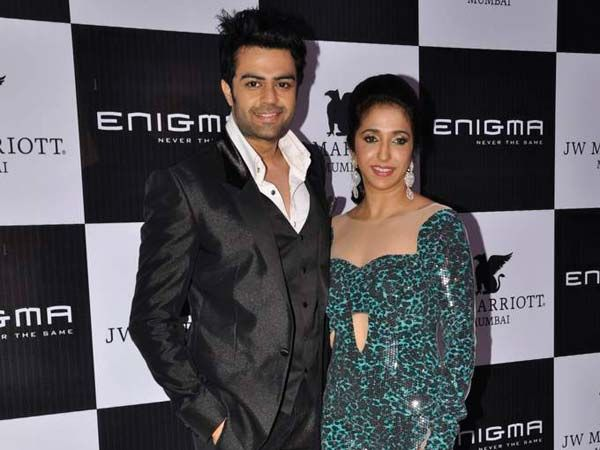 Enigma, the much talked about club at the JW Marriott, Mumbai is back in action. Hosted by Krishika Lulla, the opening night saw a host of celebrities from all walks of life. We spotted Shilpa Shetty, Sushmita Sen, Jacqueline Fernandes, Virat Kohli and many more.