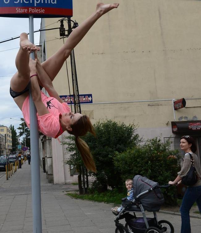 POLAND--LIFESTYLE-POOL DANCE