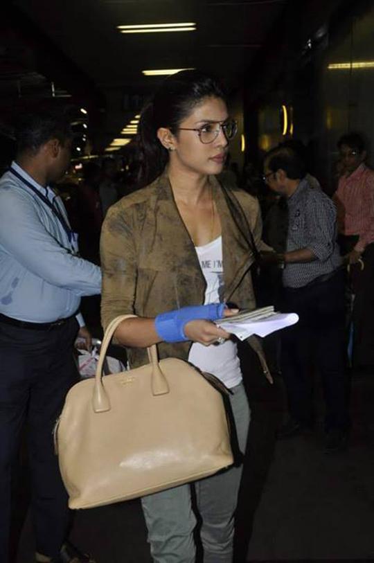 Priyanka Chopra leaves for LA