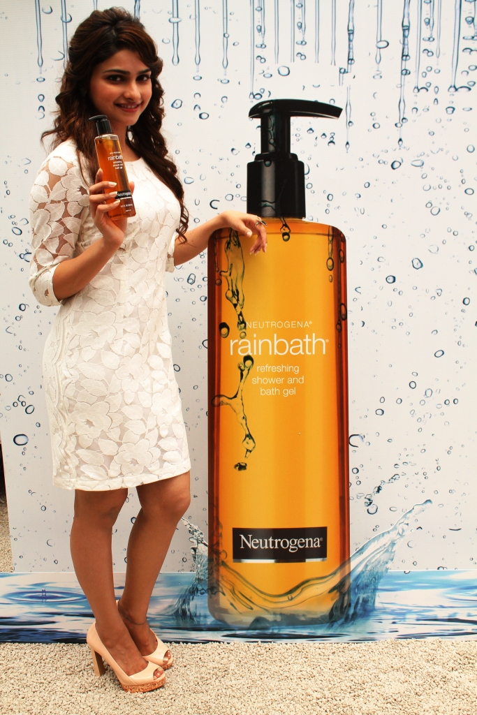 Prachi Desai launched a new range of shower and bath gels at an event in Mumbai. At the event Prachi said,