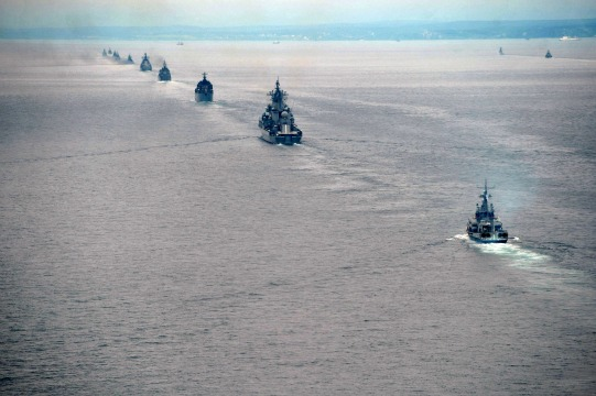 Dozens of Russia's Pacific Fleet ships and 130 combat aircraft also took part in the drills, which began on July 12 and continued through this week. Putin watched some of the drills on Sakhalin Island in the Pacific, where thousands of troops were ferried and airlifted from the mainland. The maneuvers are part of recent efforts to boost the military's mobility and combat readiness after years of post-Soviet decline, but they have far exceeded previous drills in both numbers and territorial scope. As part of the war games held across several time zones, some army units deployed to areas thousands of kilometers away from their bases. Photo: AFP