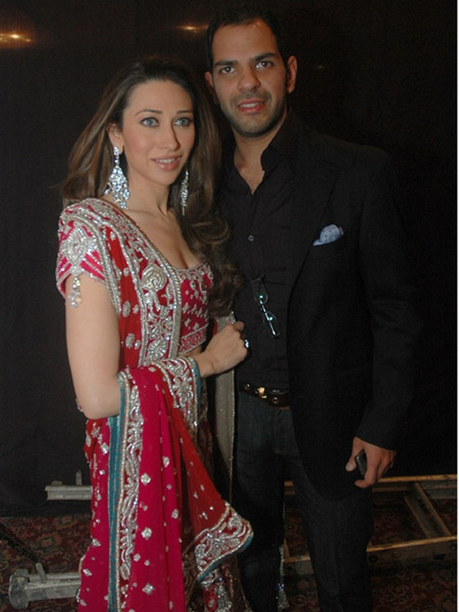 Karisma Kapoor and Sanjay Kapur: Seems like Sanjay Kapur regrets his marriage with Karisma Kapoor. Apparently when the entrepreneur got the divorce papers ready, the actress refused to sign on them till he promised to pay her an alimony of Rs 7 crore.