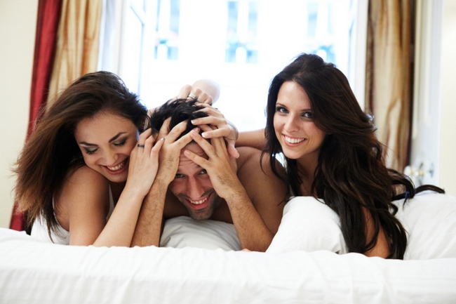 25 percent of Brits have confessed that have had a threesome, a news survey has revealed.