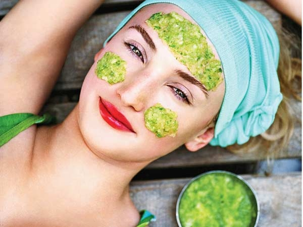 Best Homemade Face Pack for Monsoon #11: Facial toner