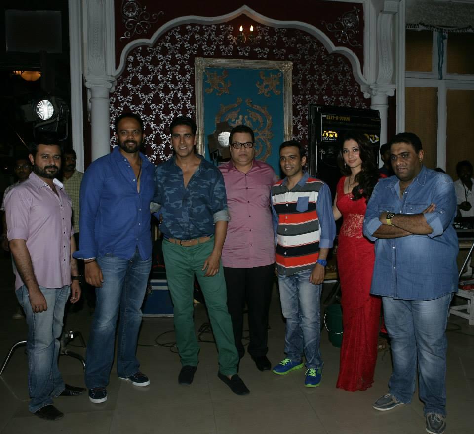 Rohit Shetty, Akshay Kumar, Ramesh Taurani, Farhad, Tamanna