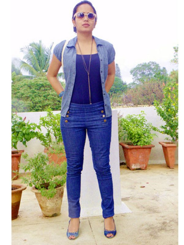 This look is a denim on denim with a side order of denim. Might be an overdose for some, but you pull it off with élan.