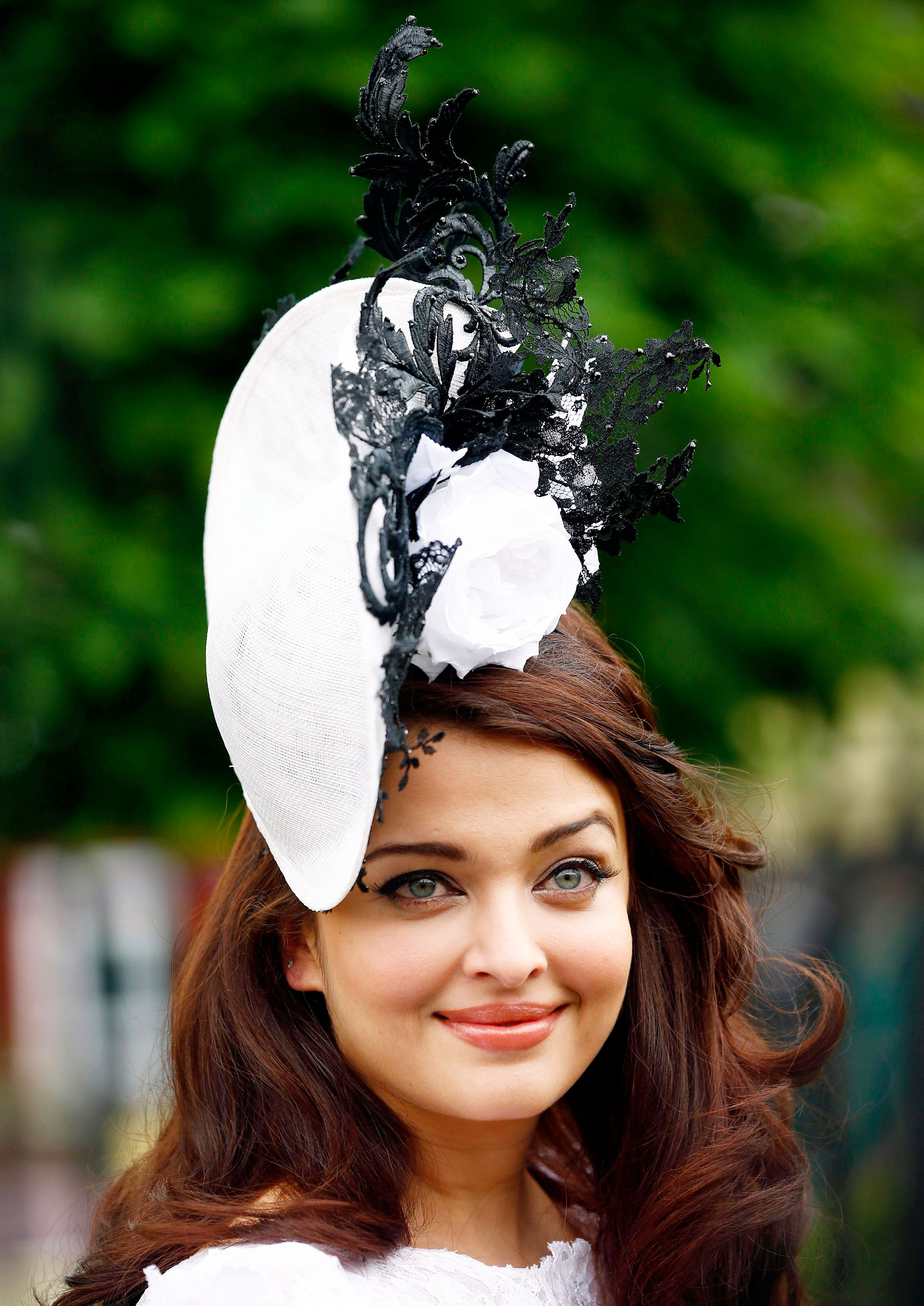 The fascinator which she wore at the race was by designer Philip Treacy.