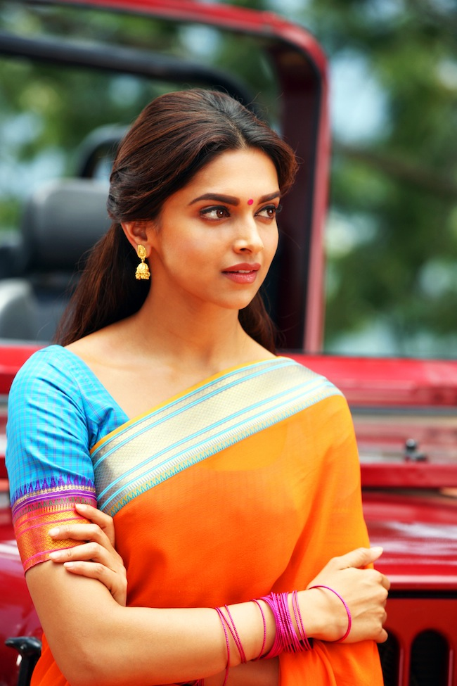 Check out latest photos from Shah Rukh Khan's EID release  Deepika Padukone