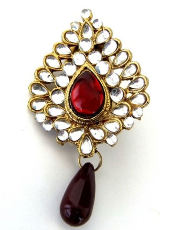 What: Sari brooch