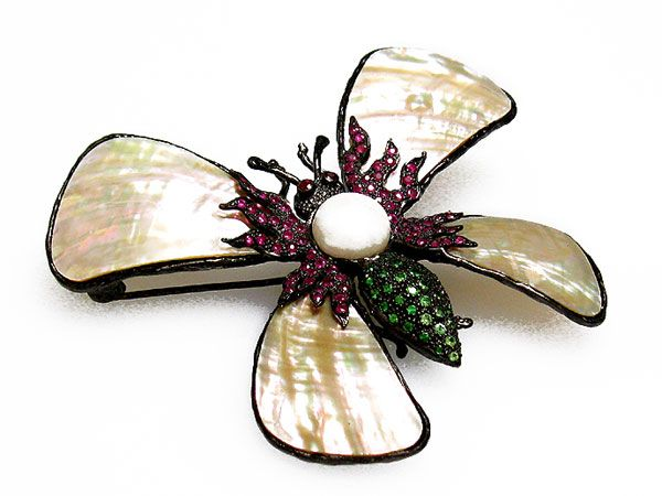 Insect-shaped brooch