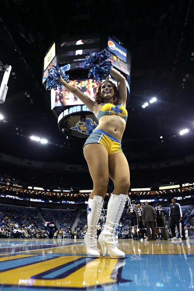 Hottest Cheerleaders of the Week