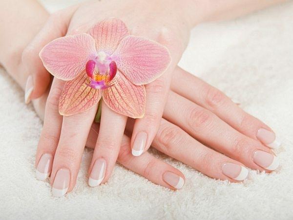 Holi Beauty Tip # 16: Avoid nail treatments