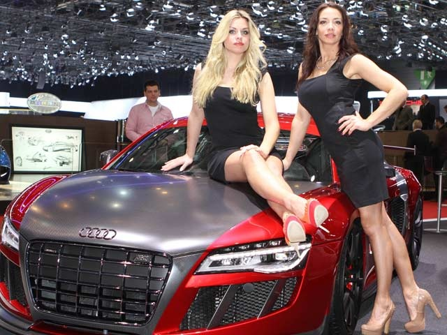Girls at the Geneva Motor Show 2013