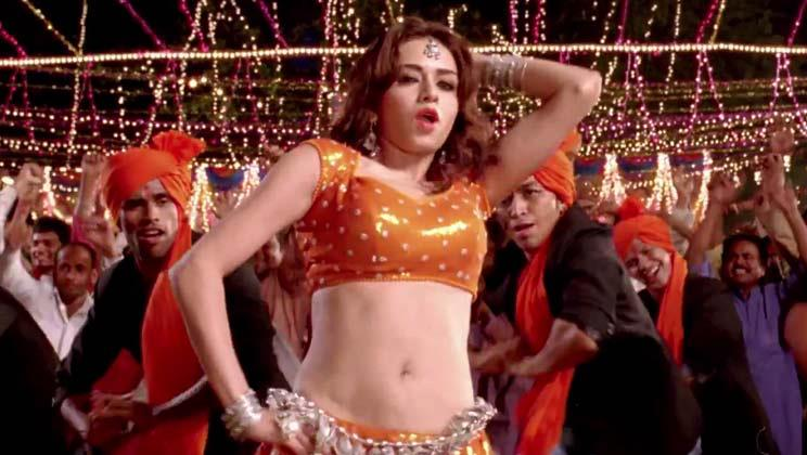 A still from the item song Dhoka in Himmatwala
