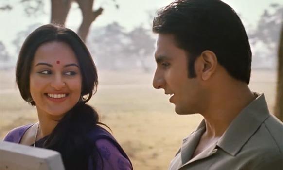 Sonakshi Sinha and Ranveer Singh  Images Courtesy: Delhi Cine Goers Association's Facebook Page