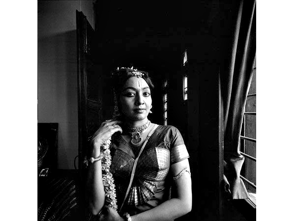 Dancer Yamini Krishnamurthy, at home in New Delhi, 1976