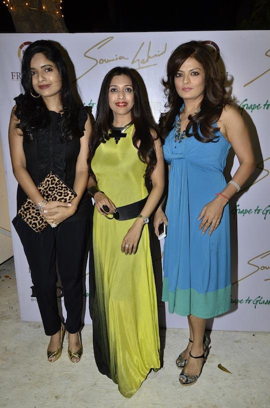 Kunika Singh, Sounia Gohil, Sheebha