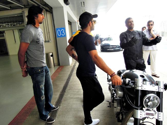 Dhoni shares his bike gyan with Virat kohli and Ishant Sharma. (Photo: IANS)