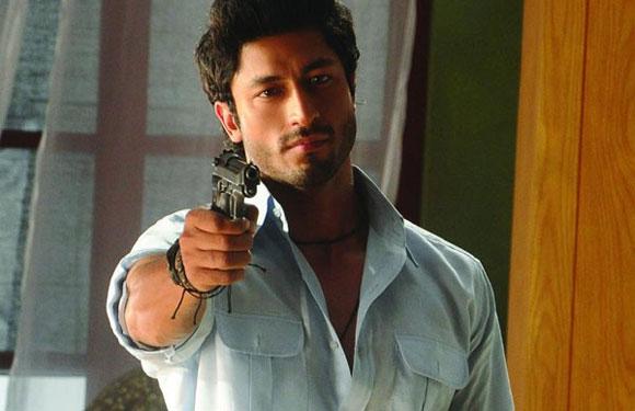 Vidyut Jamwal as Vishnu