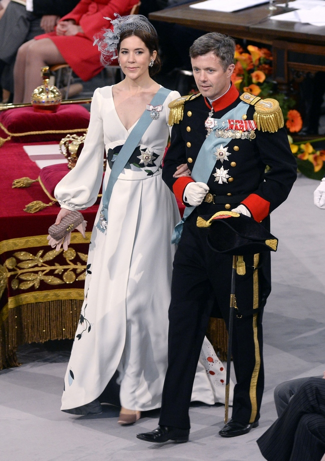 Crown Princess Mary of Denmark chose an elegant Charlotte Lynggaard for the occasion.