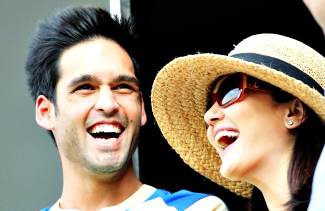 Royal Challengers Bangalore owner Siddharth Mallya shares a light moment with Kings XI Punjab co-owner Preity Zinta during the IPL 6 match at the Chinnaswamy Stadium in Bengaluru. (Photo: PTI)