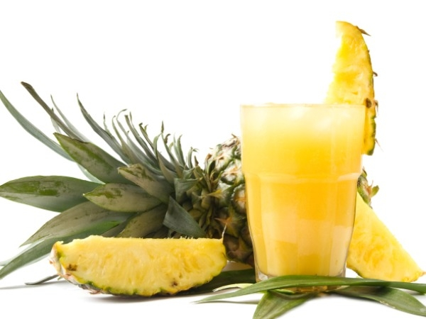 Recipe for Naturally Flavour Water: Pineapple Squash