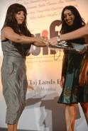 Zoya Akhtar felicitating Rintu Thomas