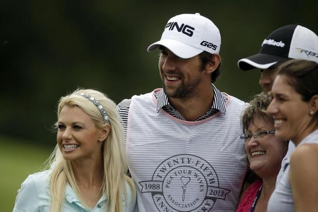 Michael Phelps' Date With Golf and Babes